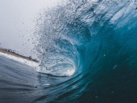 photographie des vagues de l'océan
